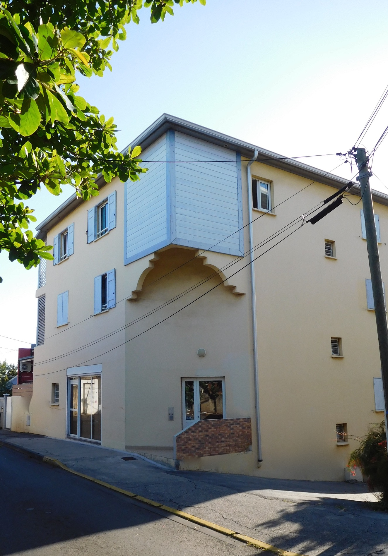 Annonce vente appartement saint pierre 97410 26 m 99 for Annonce vente appartement